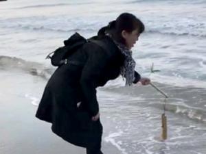 海岸で参拝